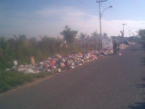 Sampah di Jalan Golf Landasan Ulin